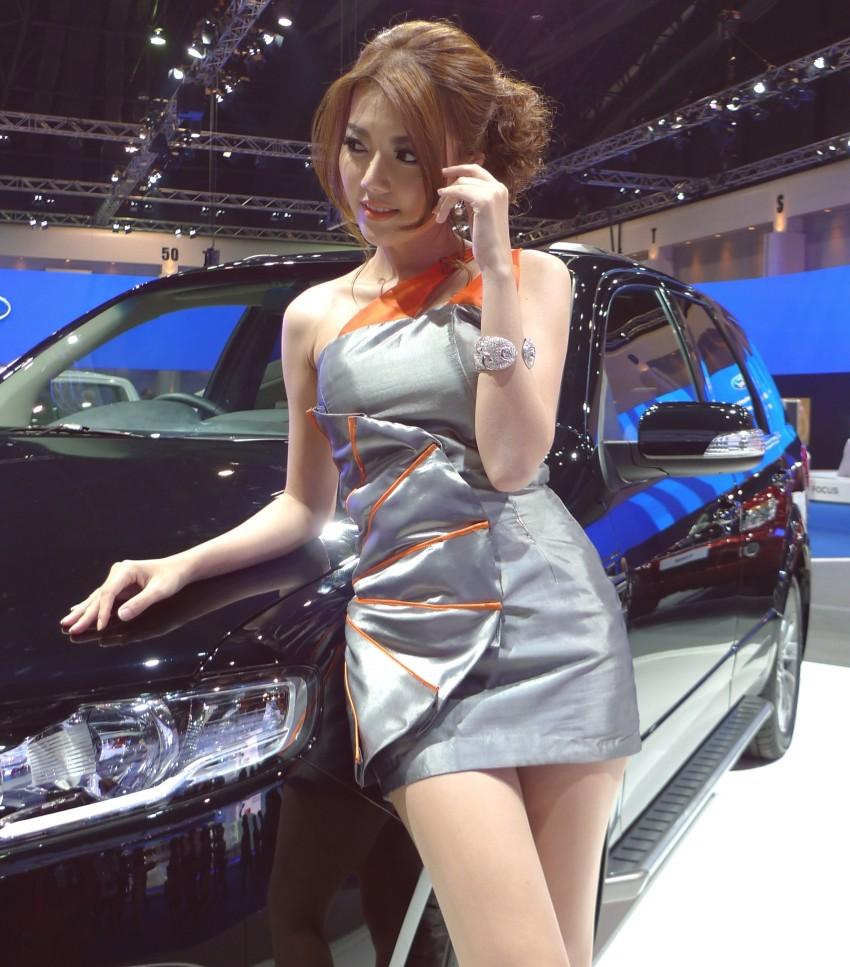 Bangkok Motor Show 2012 – the ladies say hello! Image #96613