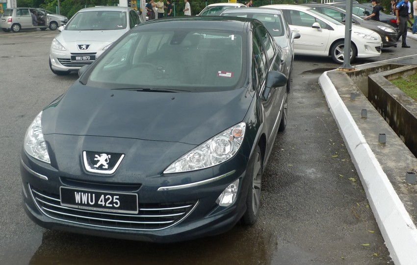 DRIVEN: Peugeot 408 Turbo and 408 2.0 Image #113287