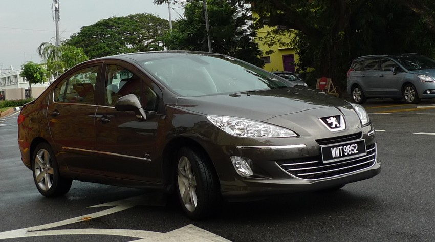 DRIVEN: Peugeot 408 Turbo and 408 2.0 Image #113296