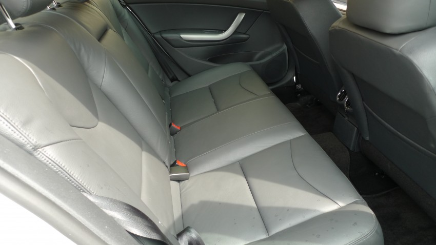DRIVEN: Peugeot 408 Turbo and 408 2.0 Image #113315