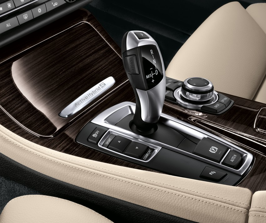 BMW ActiveHybrid 5: inline-6 turbo with an electric motor Image #70993