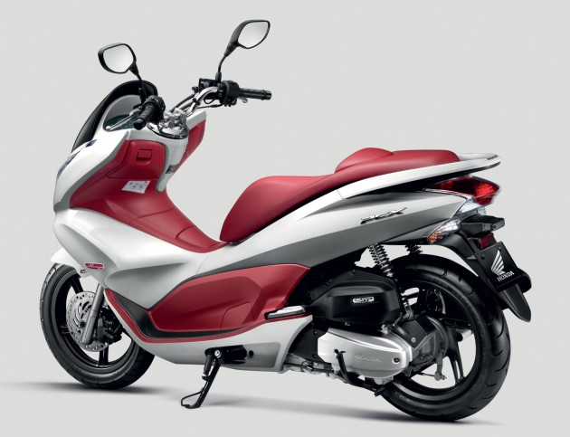 Honda Spacy and PCX bikes launched by Boon Siew