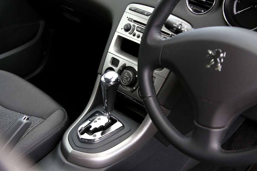 DRIVEN: Peugeot 408 Turbo and 408 2.0 Image #113179