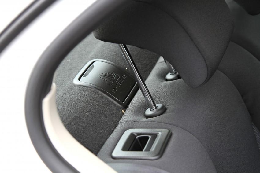 Peugeot408_030