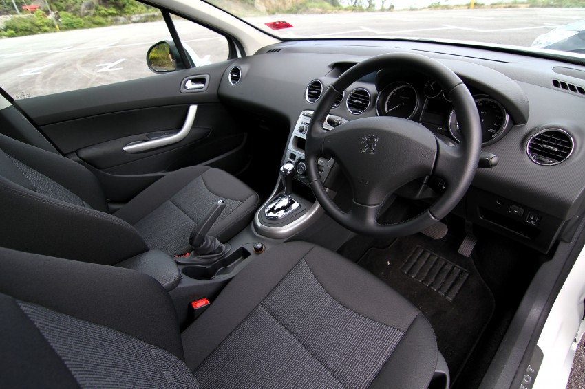 DRIVEN: Peugeot 408 Turbo and 408 2.0 Image #113201