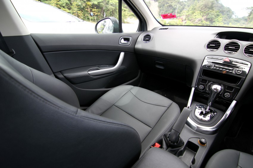DRIVEN: Peugeot 408 Turbo and 408 2.0 Image #113209