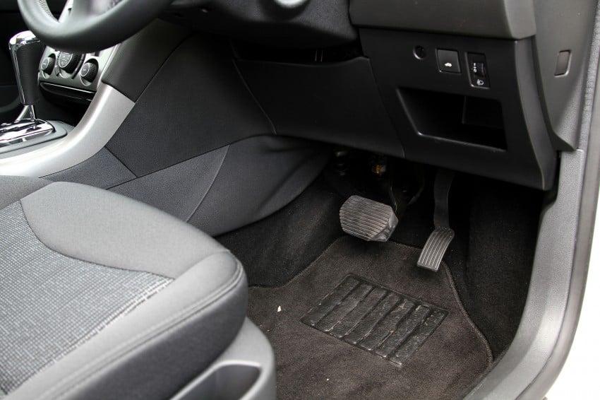 Peugeot408_050