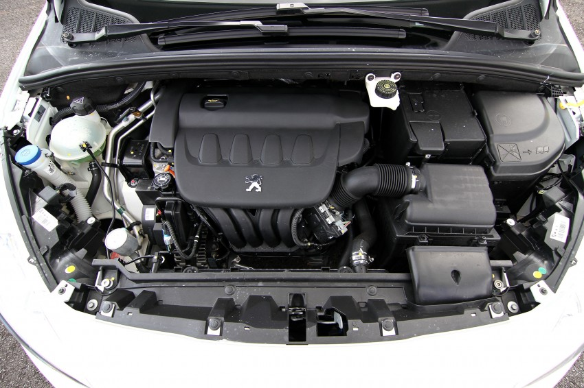 DRIVEN: Peugeot 408 Turbo and 408 2.0 Image #113222
