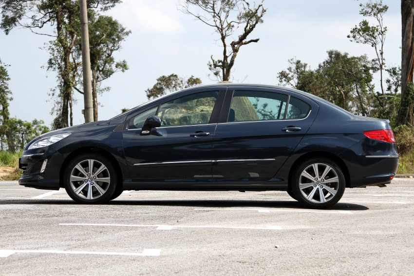 DRIVEN: Peugeot 408 Turbo and 408 2.0 Image #113229