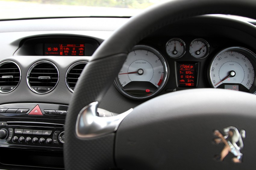 DRIVEN: Peugeot 408 Turbo and 408 2.0 Image #113232