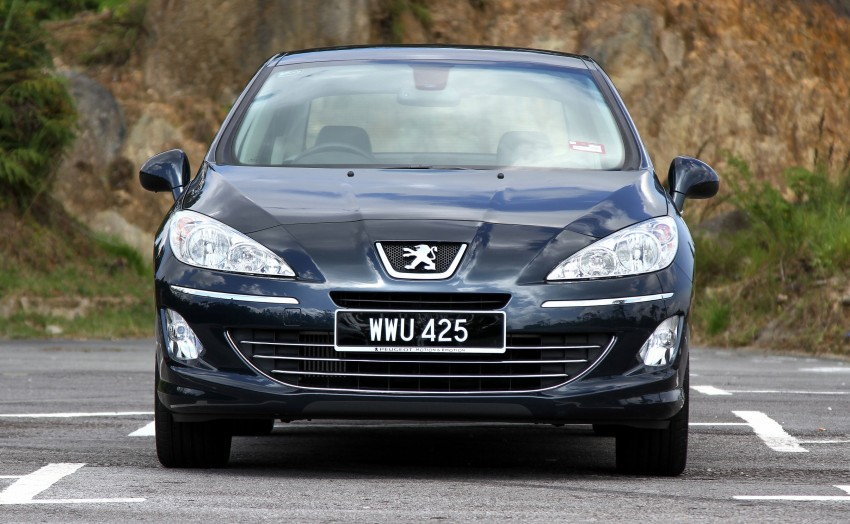 DRIVEN: Peugeot 408 Turbo and 408 2.0 Image #113235