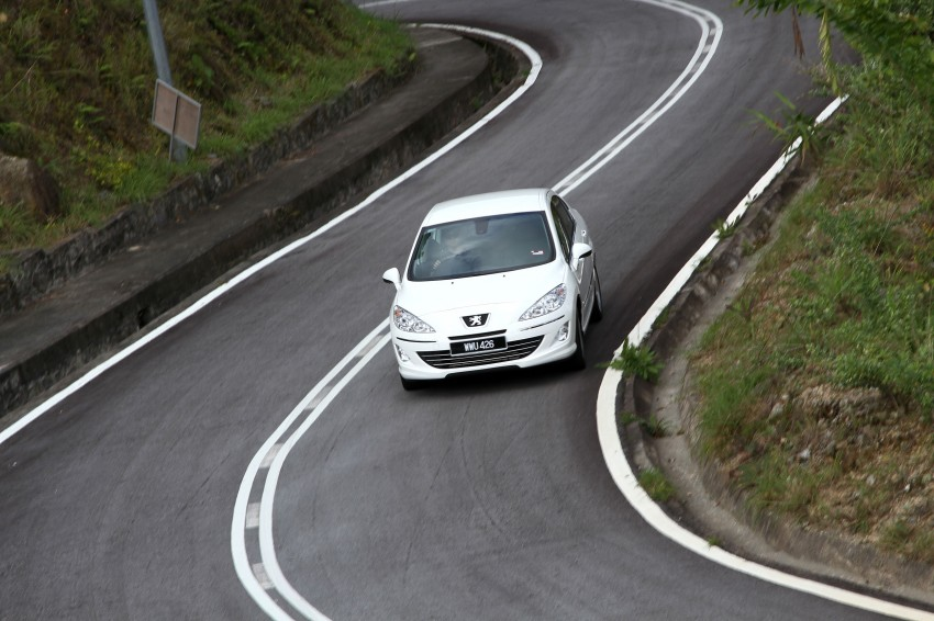 DRIVEN: Peugeot 408 Turbo and 408 2.0 Image #113242