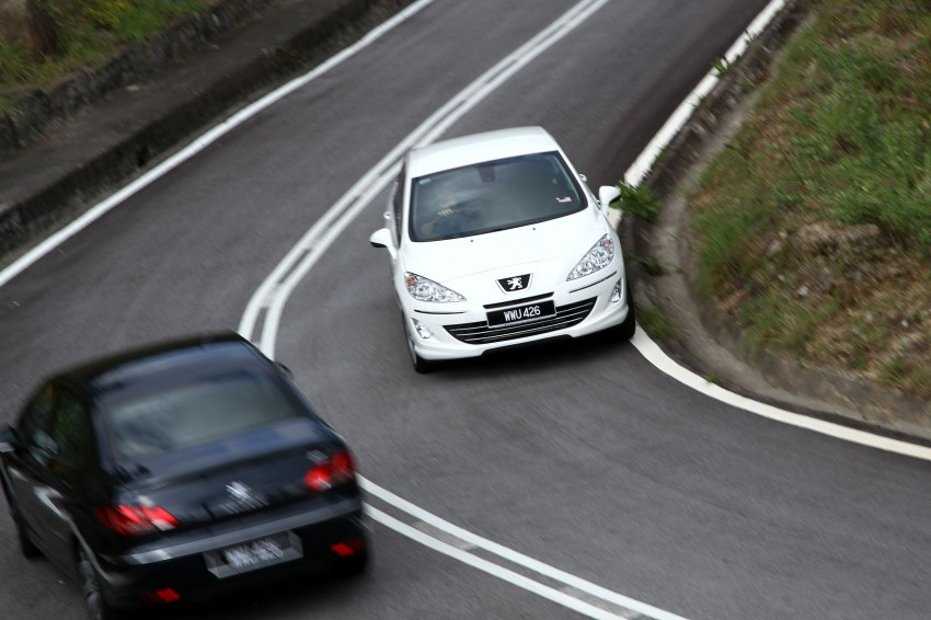 DRIVEN: Peugeot 408 Turbo and 408 2.0 Image #113243
