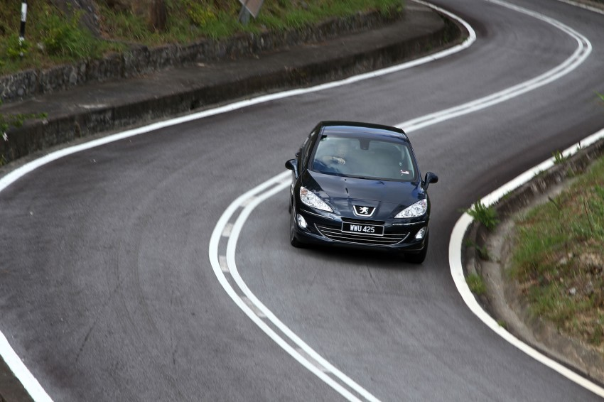 DRIVEN: Peugeot 408 Turbo and 408 2.0 Image #113245