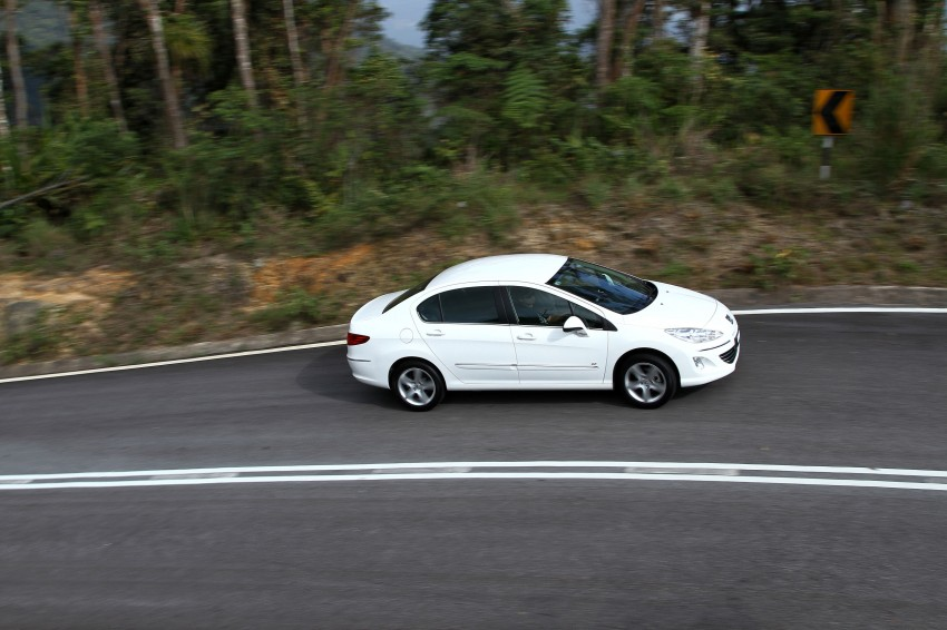 DRIVEN: Peugeot 408 Turbo and 408 2.0 Image #113259