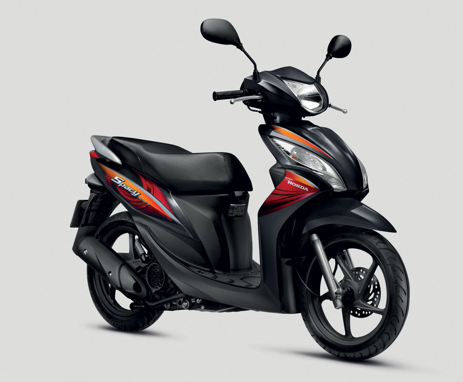 Honda Spacy and PCX bikes launched by Boon Siew Paul Tan - Image 139134