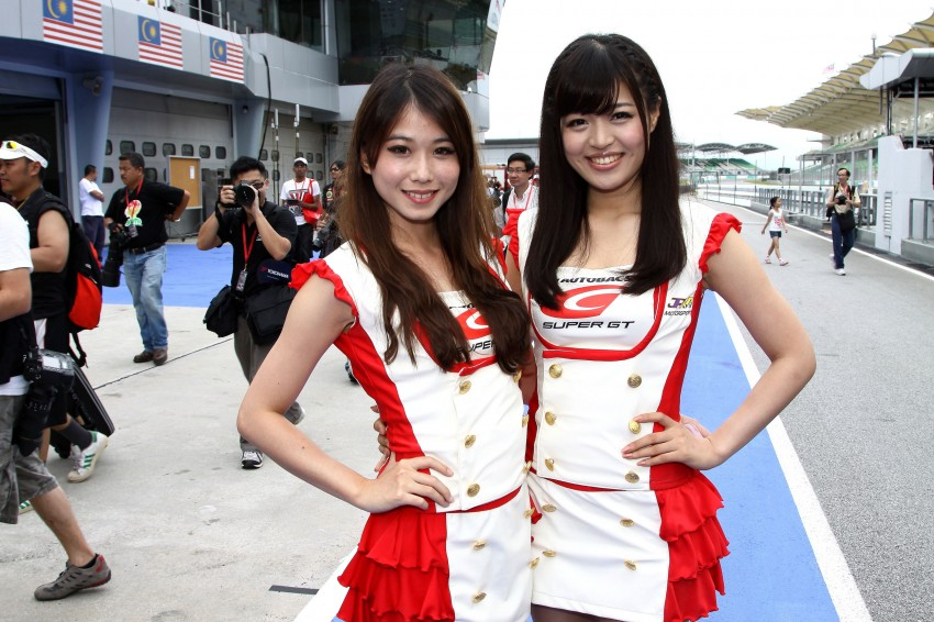 Super GT 2012 Rd 3: Of booth babes and race queens Image #112070