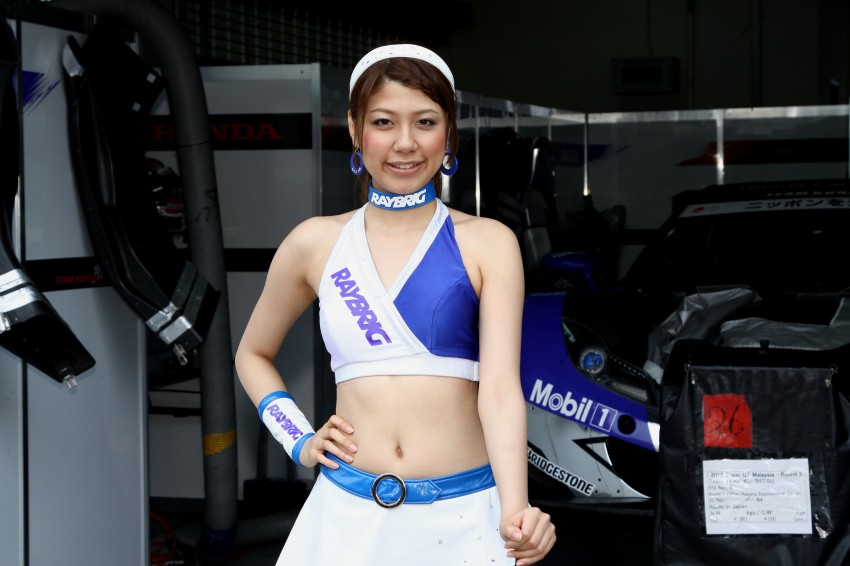Super GT 2012 Rd 3: Of booth babes and race queens Image #112071