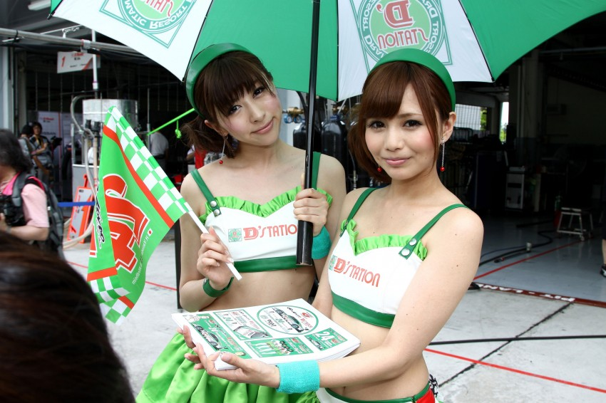 Super GT 2012 Rd 3: Of booth babes and race queens Image #112075