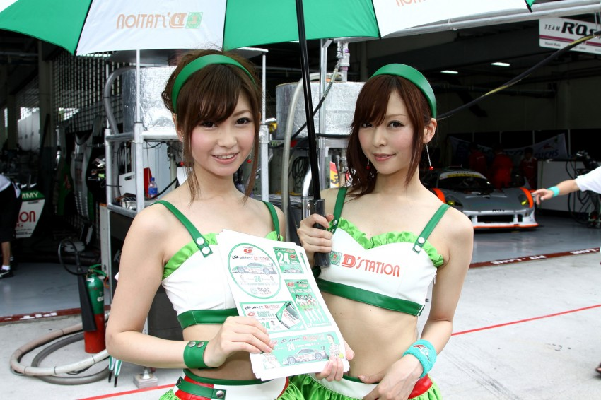 Super GT 2012 Rd 3: Of booth babes and race queens Image #112076