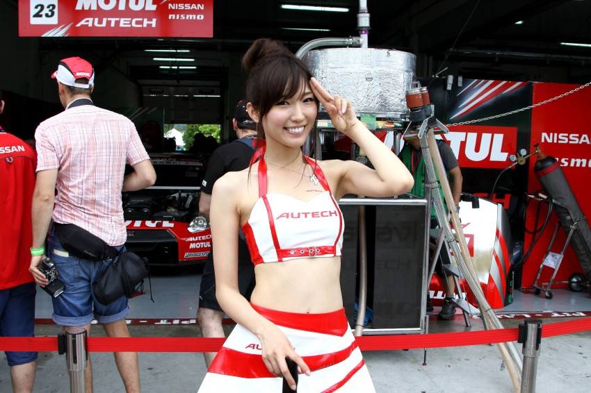 Super GT 2012 Rd 3: Of booth babes and race queens Image #112078