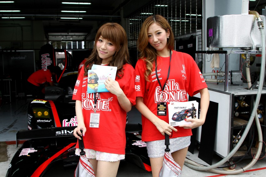 Super GT 2012 Rd 3: Of booth babes and race queens Image #112081