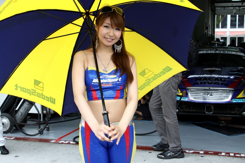 Super GT 2012 Rd 3: Of booth babes and race queens Image #112090