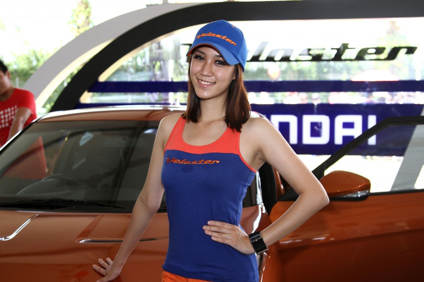 Super GT 2012 Rd 3: Of booth babes and race queens Image #112221