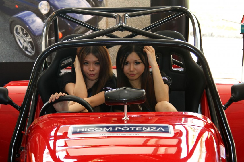 Super GT 2012 Rd 3: Of booth babes and race queens Image #112230