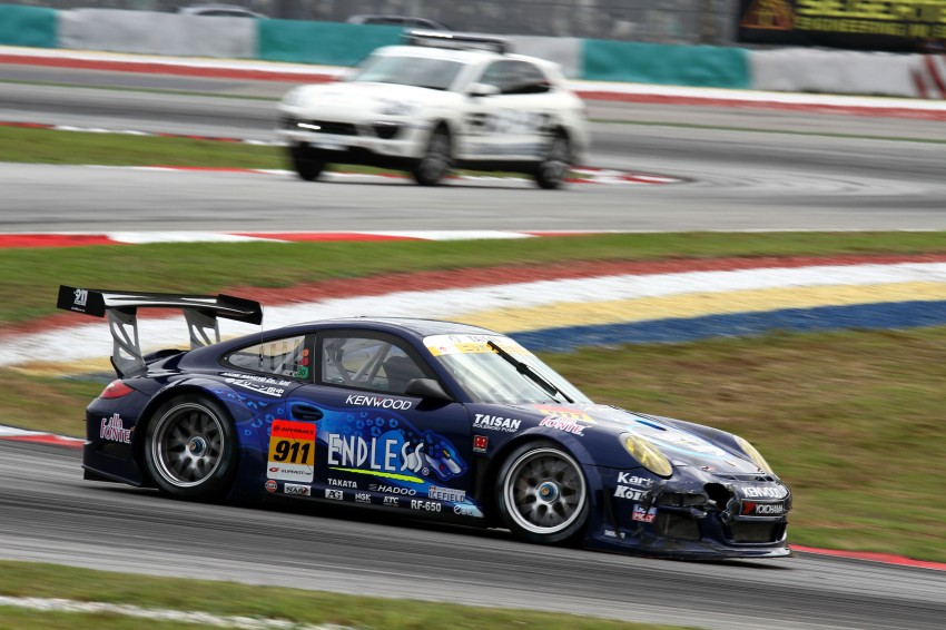 Autobacs Super GT 2012 Round 3: Weider HSV-010 and Hankook Porsche win from pole position Image #111842