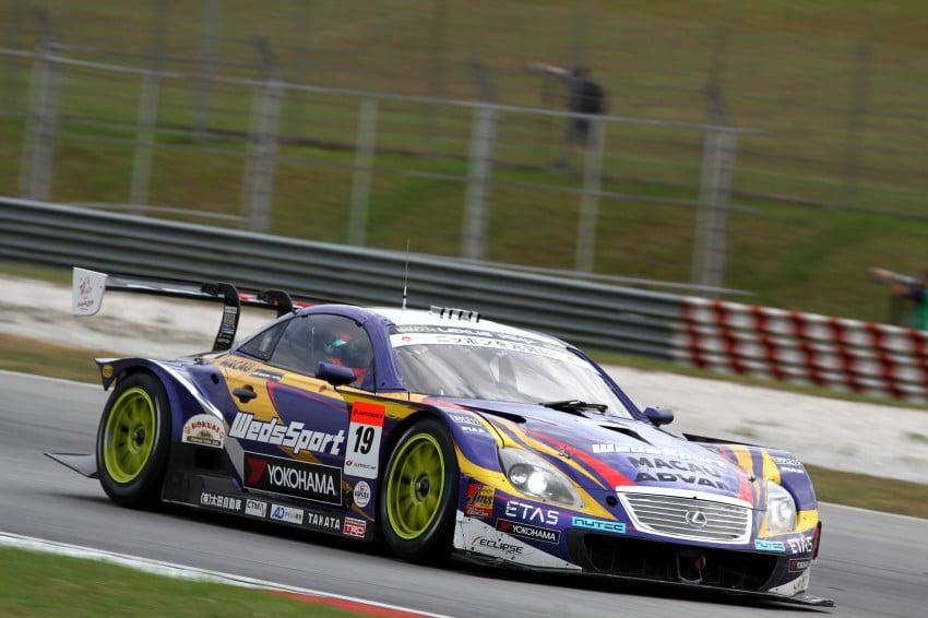 Autobacs Super GT 2012 Round 3: Weider HSV-010 and Hankook Porsche win from pole position Image #111859