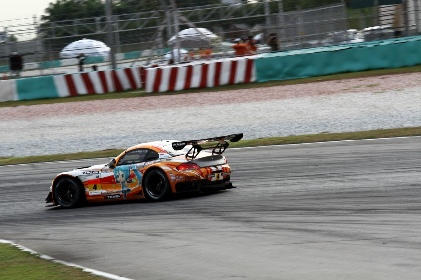 Autobacs Super GT 2012 Round 3: Weider HSV-010 and Hankook Porsche win from pole position Image #111930