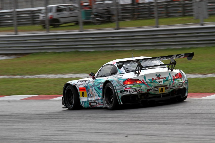 Autobacs Super GT 2012 Round 3: Weider HSV-010 and Hankook Porsche win from pole position Image #111933