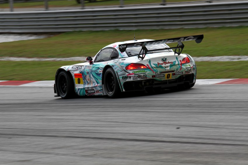 Autobacs Super GT 2012 Round 3: Weider HSV-010 and Hankook Porsche win from pole position Image #111958