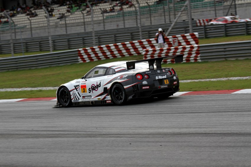 Autobacs Super GT 2012 Round 3: Weider HSV-010 and Hankook Porsche win from pole position Image #111969