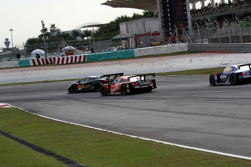 Autobacs Super GT 2012 Round 3: Weider HSV-010 and Hankook Porsche win from pole position Image #111970