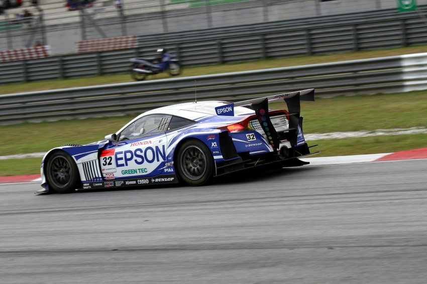 Autobacs Super GT 2012 Round 3: Weider HSV-010 and Hankook Porsche win from pole position Image #111971
