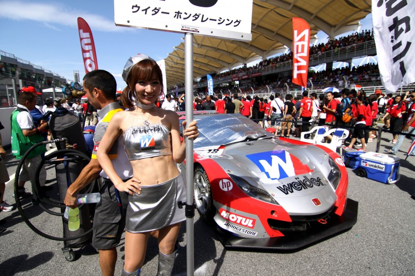 Super GT 2012 Rd 3: Of booth babes and race queens Image #112142
