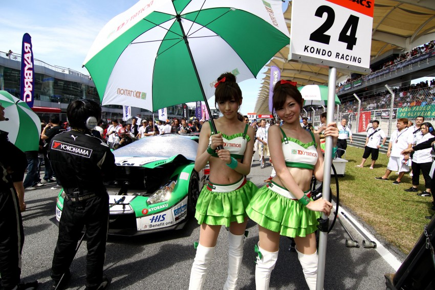 Super GT 2012 Rd 3: Of booth babes and race queens Image #112147