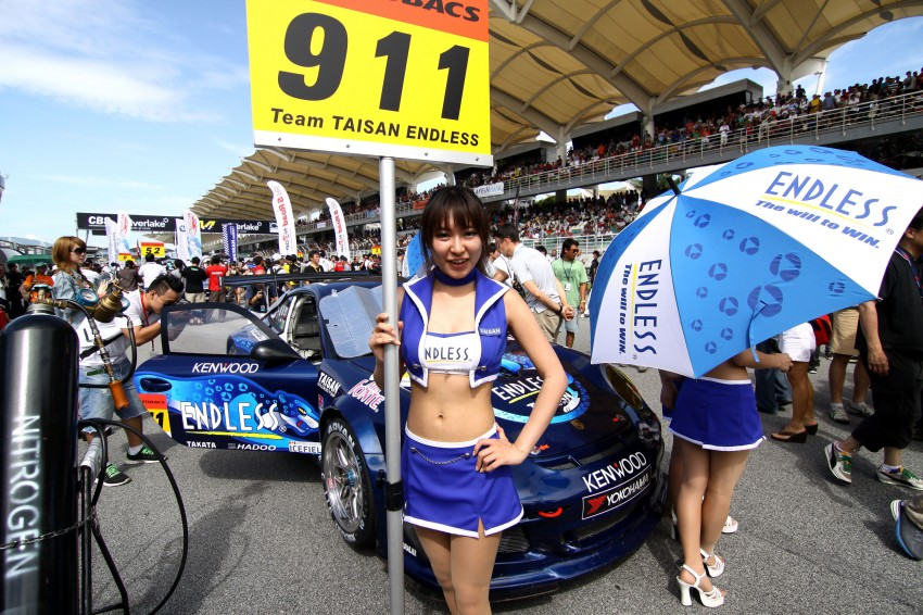 Super GT 2012 Rd 3: Of booth babes and race queens Image #112155