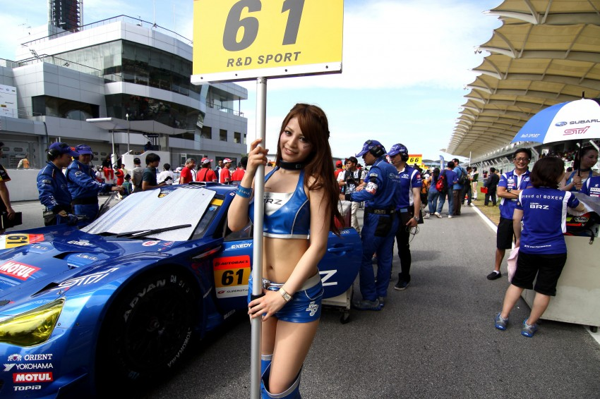 Super GT 2012 Rd 3: Of booth babes and race queens Image #112160