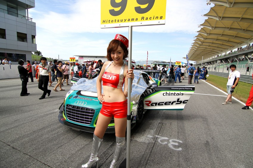 Super GT 2012 Rd 3: Of booth babes and race queens Image #112166
