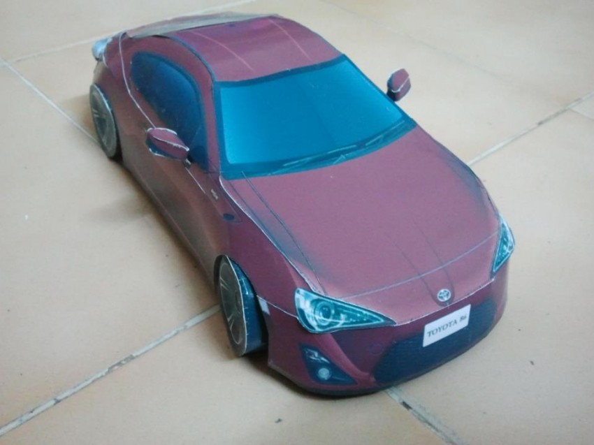 Toyota 86 assembled. Photo taken. Prize will be won. Image #104287