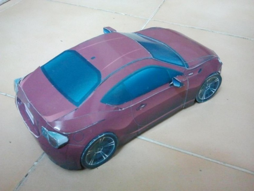 Toyota 86 assembled. Photo taken. Prize will be won. Image #104288