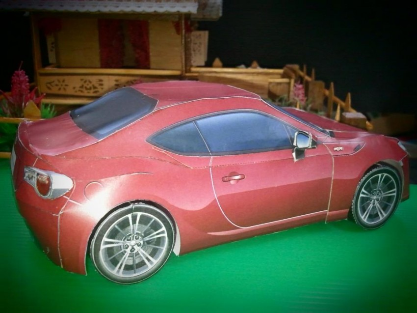 Toyota 86 assembled. Photo taken. Prize will be won. Image #104289