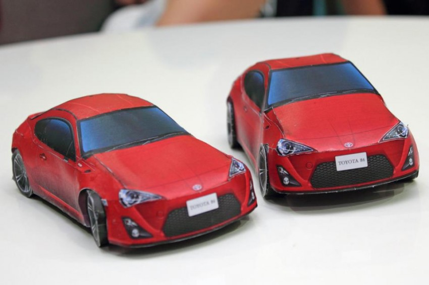 Toyota 86 assembled. Photo taken. Prize will be won. Image #104291