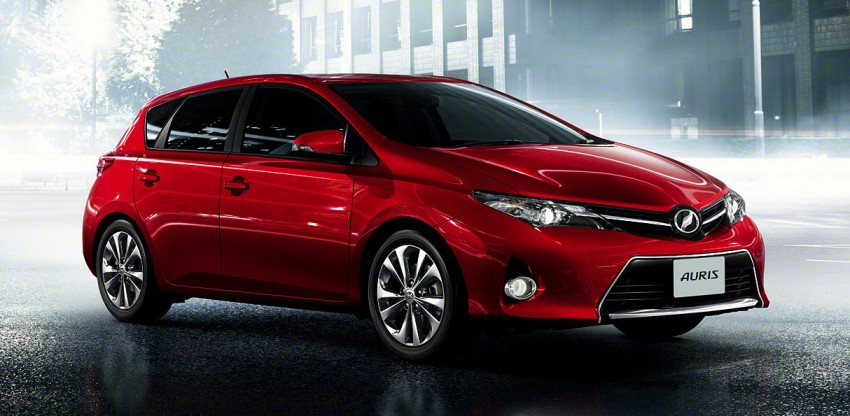 2013 Toyota Auris C-segment hatchback unveiled! Image #126161
