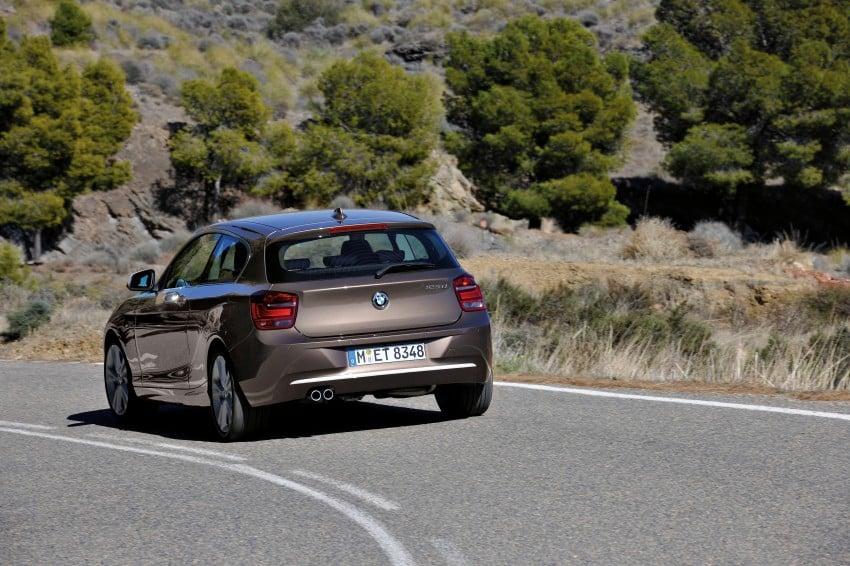 BMW 114i debuts with 3-door BMW 1-Series hatch body Image #106065
