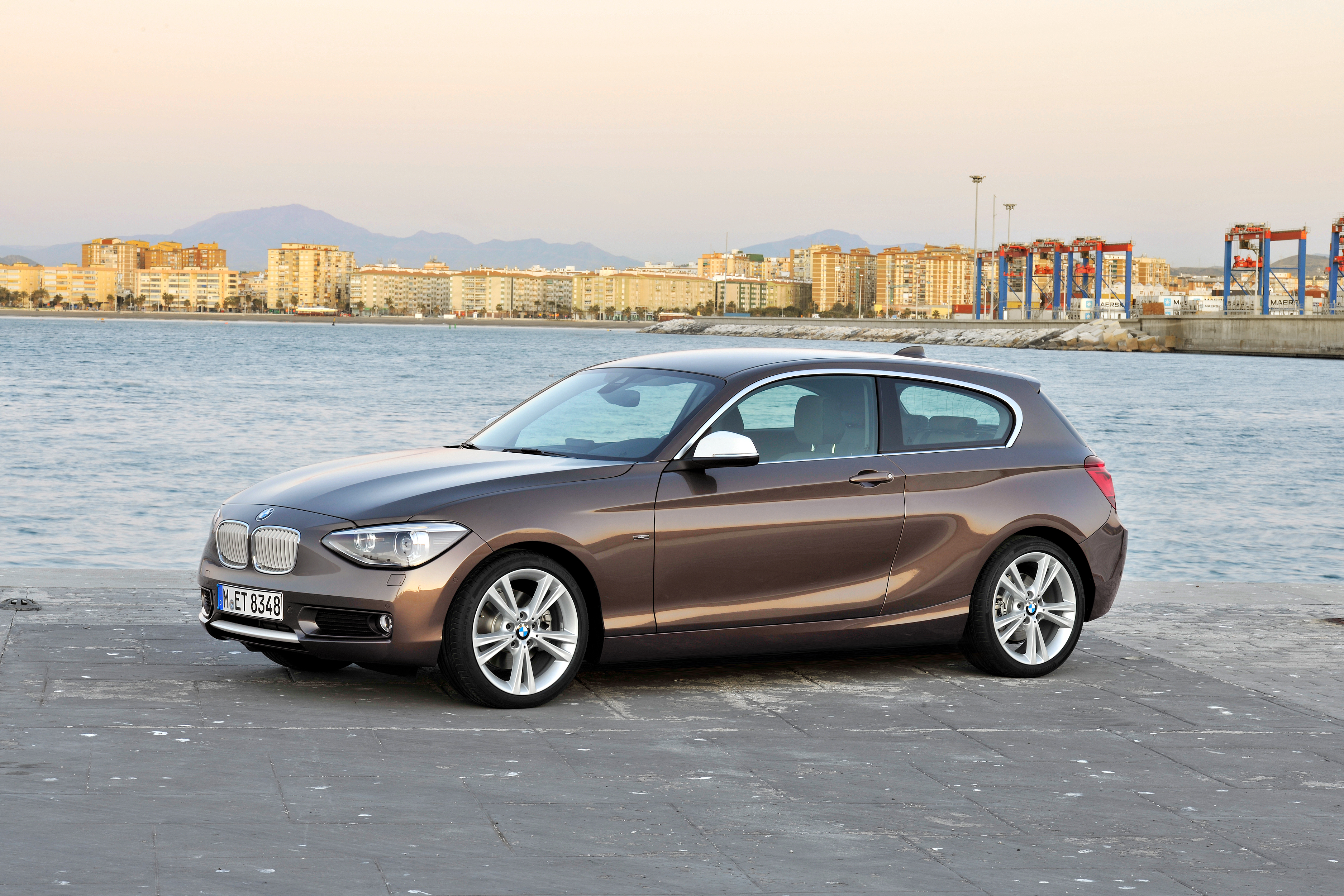 bmw 114i debuts with 3 door bmw 1 series hatch body paul tan image 106078. Black Bedroom Furniture Sets. Home Design Ideas
