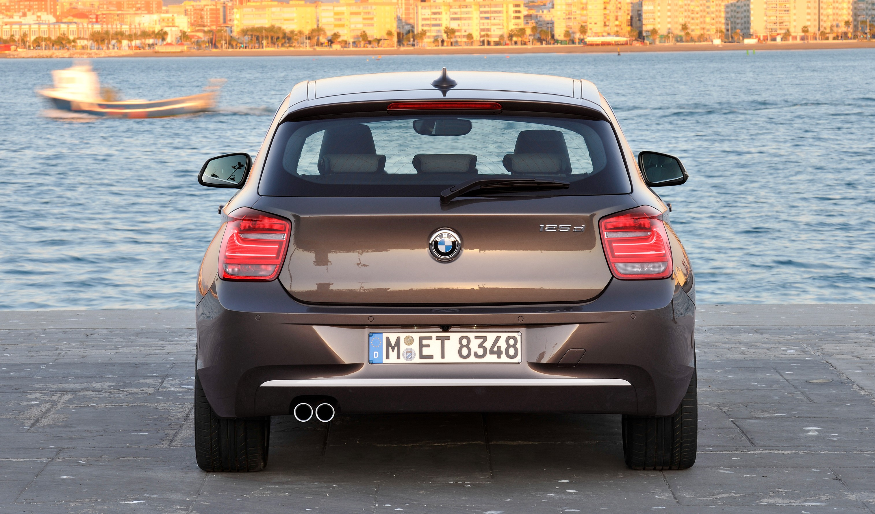 bmw 114i debuts with 3 door bmw 1 series hatch body image 106080. Black Bedroom Furniture Sets. Home Design Ideas